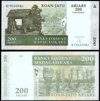 Мадагаскар 200 ариари 2004 года